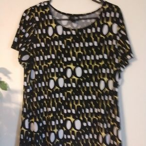 East 5th Essentials top, size L